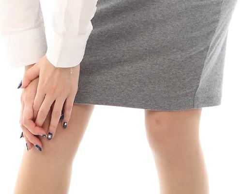 ひざ痛女性
